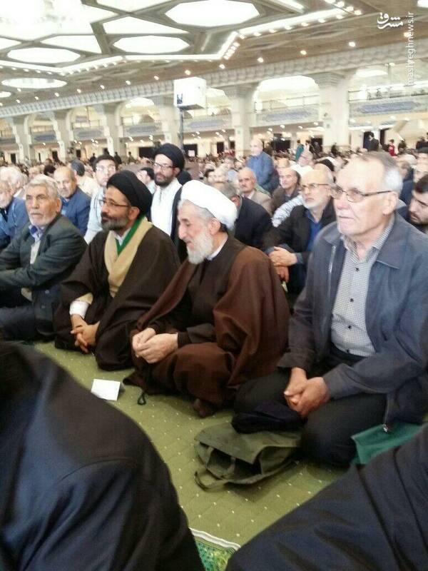 حجت الاسلام صدیقی در صفوف مردم نمازگزار