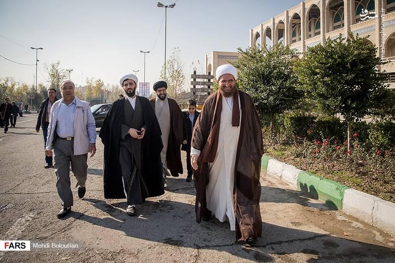 اولین نماز جمعه تهران به امامت حجت الاسلام حاج علی اکبری در مصلی تهران برگزار شد