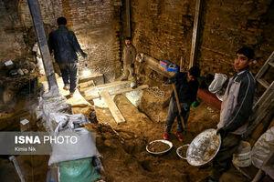عکس/ عمر تهران در زیرزمین یک مغازه!