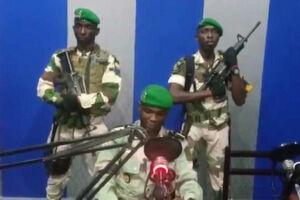 فیلم/ سرباز گابنی در حال اعلام کودتای نظامی!