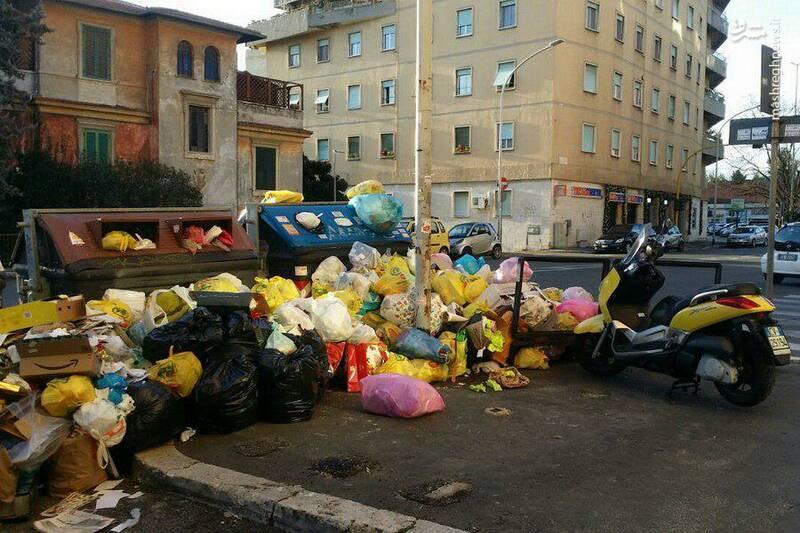بحران زباله در خیابان های رم