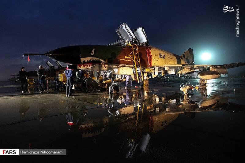 رزمایش شبانه جنگنده های ارتش در آسمان اصفهان + عکس