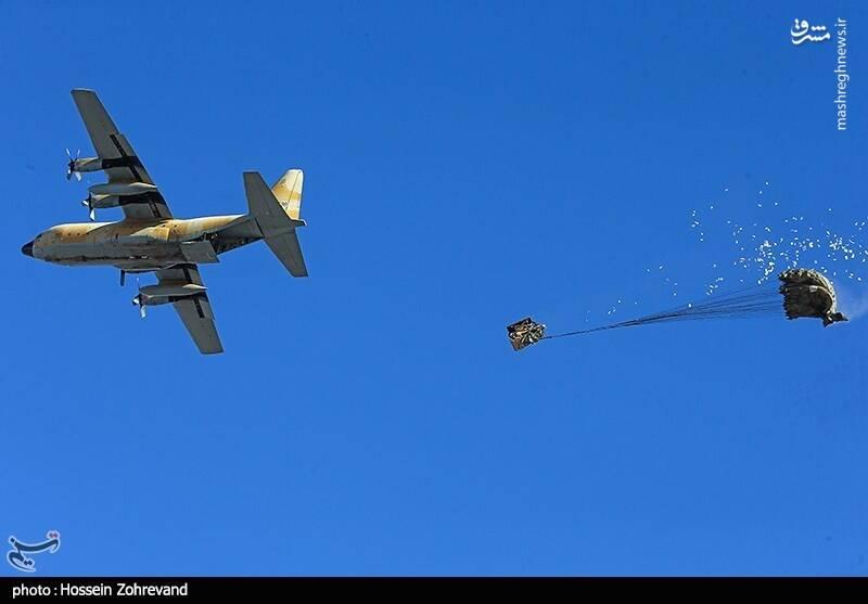 عکس/ رزمایش هوایی ارتش در آسمان اصفهان