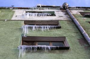 قندیل بستن خانهها در سرما روسیه