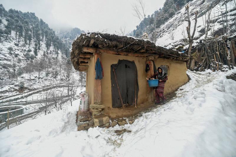 بارش برف در کشمیر، از دیدنیترین مناطق طبیعی
