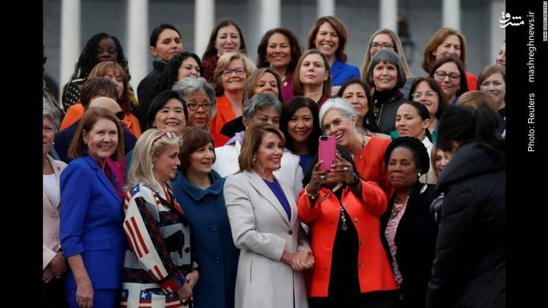عکس یادگاری زنان دموکرات در کنگره آمریکا