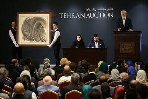 تجلیل 7 میلیاردتومانی از شاهزاده قجری در حراج تهران/ سوالاتی درباره «حراج تهران» که بیپاسخ مانده است/ آیا بازهم پای «پول کثیف» در میان است؟ +عکس