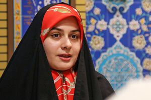 «ادبیات» معشوق من است/ «چادر مشکی» لباسی ایرانی است و از آن لذت میبرم