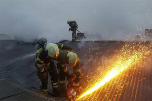 آتش سوزی در انبار مواد آتش بازی در جاده خاوران