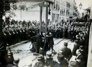 عکس/ آخرین کسی که با گیوتین اعدام شد!