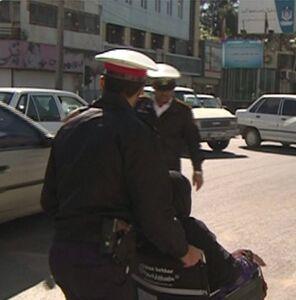 عکس/ اقدام زیبای  پلیس راهور در زاهدان