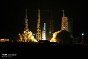 عکس/ پرتاب ماهواره پیام امیرکبیر به فضا
