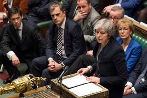 بدترین شکست پارلمانی برای نخستوزیر بریتانیا در قرن اخیر + عکس و آمار