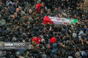 عکس/ تشییع پیکر دو شهید سانحه بوئینگ۷۰۷ در همدان