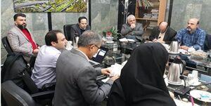 واکنشها به حضور مجرم امنیتی در شورای شهر تهران +تصاویر