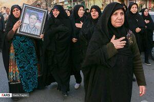 عکس/ تشییع ۳ شهید دفاع مقدس در شیراز