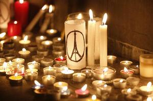 کسی برای مردم فرانسه شمع روشن نمیکند؟+عکس