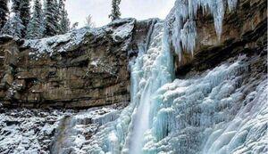 عکس/ نمایی زیبا از آبشار یخزده