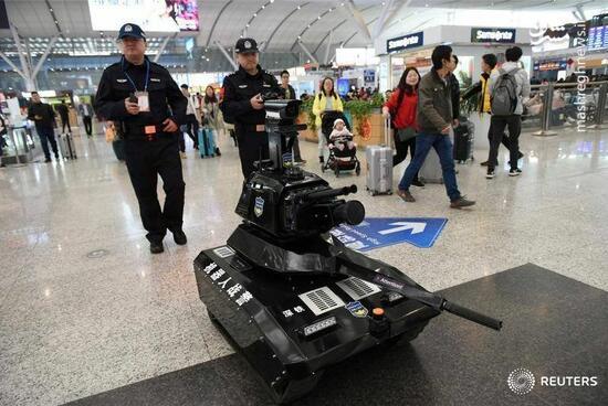عکس/ ربات عجیب پلیس چین!
