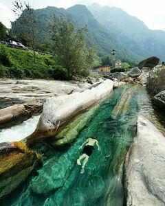 عکس/ زلالترین رودخانه جهان