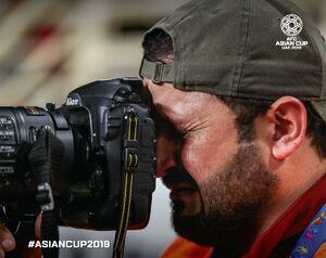 عکس/ گریه عکاس عراقی پس از حذف تیم ملی کشورش