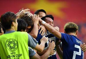 صعود ساموراییها به نیمه نهایی/ ژاپن در انتظار برنده بازی ایران و چین