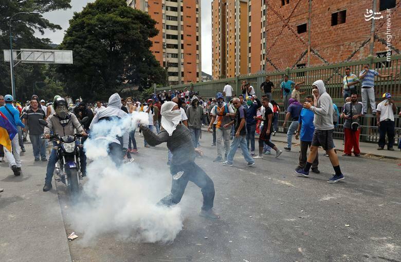 2437787 - در ونزوئلا چه خبر است؟