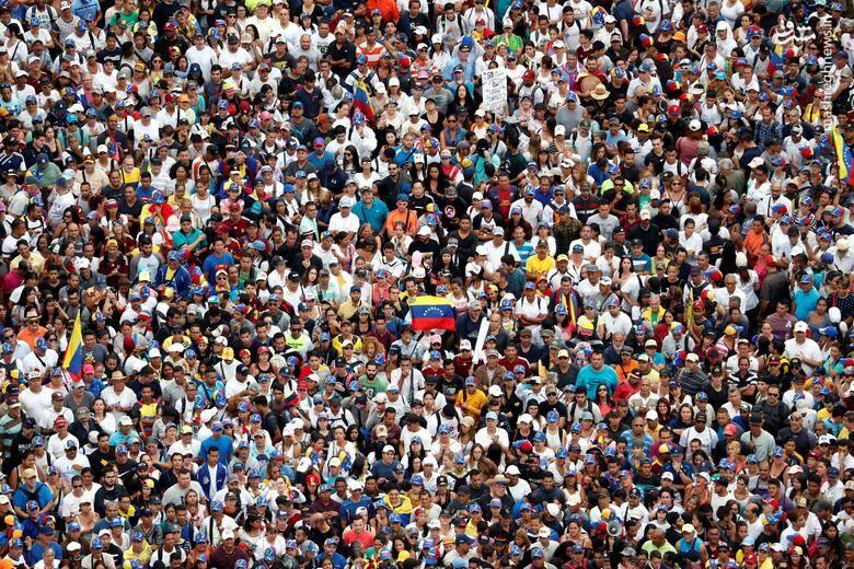 2437792 - در ونزوئلا چه خبر است؟