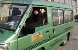 خانمی که درآمد رانندگیاش را خرج سفر زائران میکند +عکس