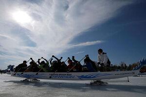 فیلم/ مسابقه هیجانانگیز  قایقرانی روی یخ