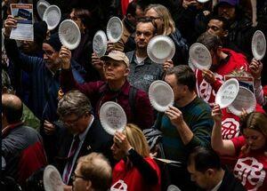 کمپین بشقاب به دستها در آمریکا +عکس