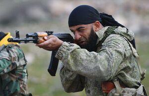 عکس/ آموزش نظامی روسها به یک گروه فلسطینی