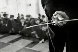فیلم/ تنبیه دانش آموزان با شلنگ!