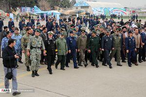 عکس/ سرلشگر موسوی در نمایشگاه هوایی نیروهای مسلح