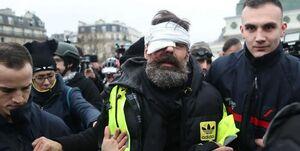 انتقاد از دولت ماکرون به دلیل استفاده از گلولههای انفجاری در سرکوب معترضان