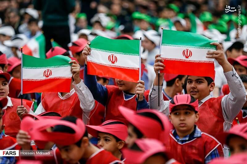 2443734 - بزرگداشت چهلمین سالگرد ورود تاریخی امام خمینی (ره)