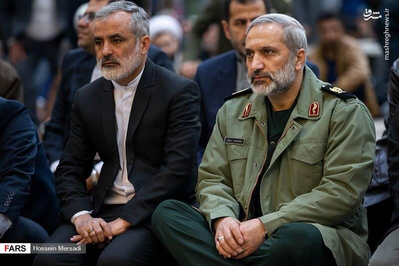 2443735 - بزرگداشت چهلمین سالگرد ورود تاریخی امام خمینی (ره)