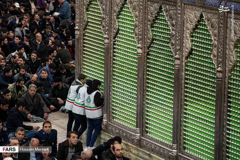 2443746 - بزرگداشت چهلمین سالگرد ورود تاریخی امام خمینی (ره)