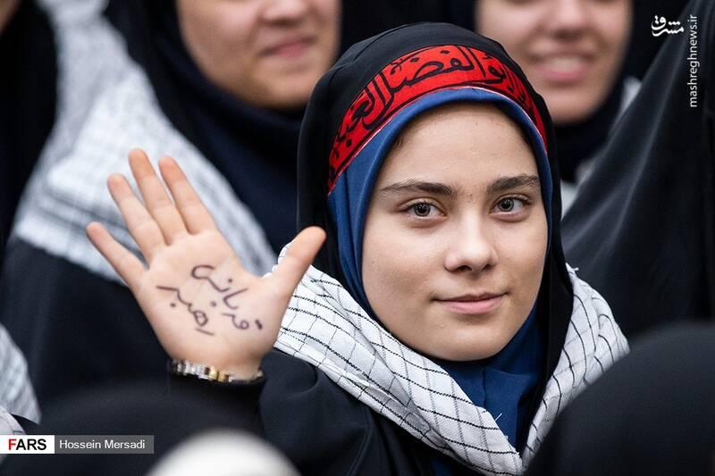 2443749 - بزرگداشت چهلمین سالگرد ورود تاریخی امام خمینی (ره)