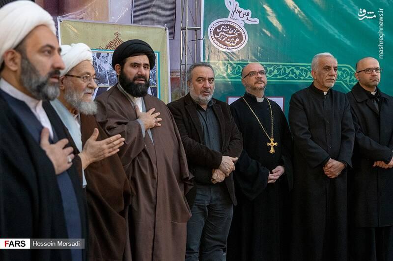 2443751 - بزرگداشت چهلمین سالگرد ورود تاریخی امام خمینی (ره)