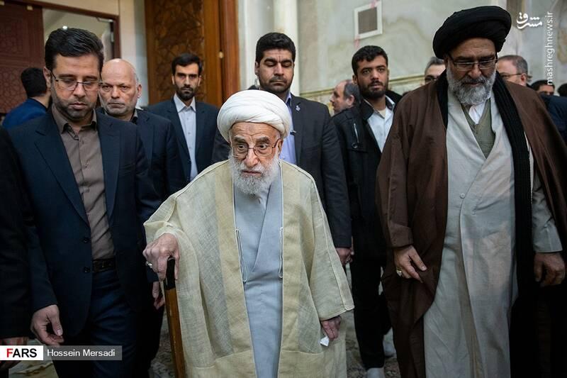 2443752 - بزرگداشت چهلمین سالگرد ورود تاریخی امام خمینی (ره)