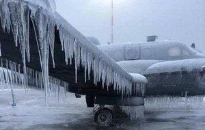 عکس/ قندیل بستن هواپیما در فرودگاه!