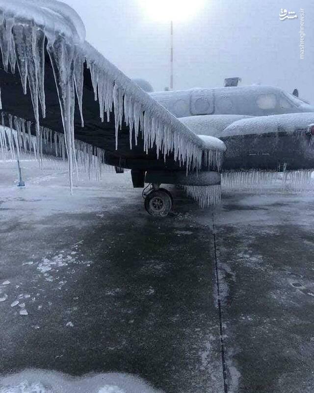 قندیل بستن هواپیما در فرودگاه!