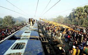 عکس/ واژگونی مرگبار قطار در هند