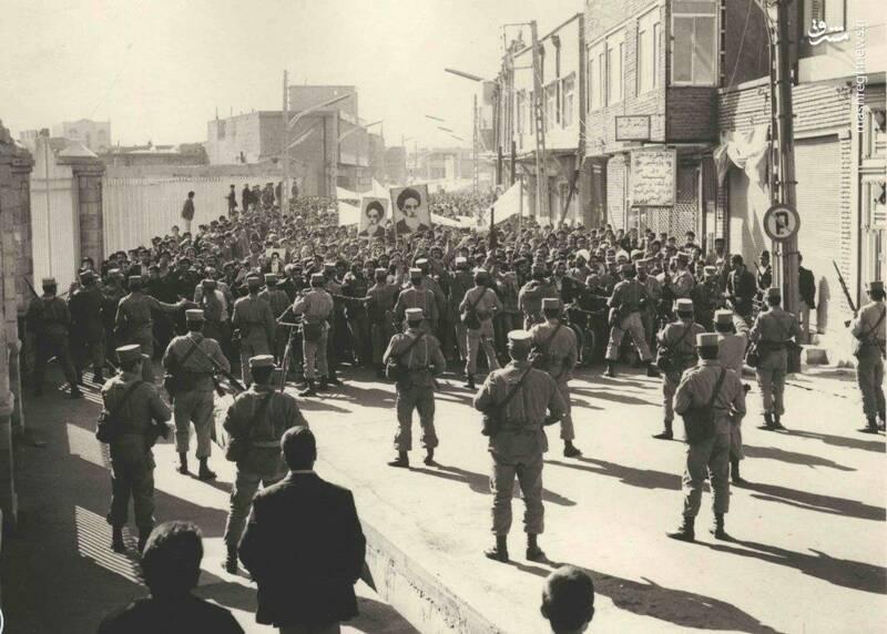 خبرنگار «تایم» روایت میکند: انقلاب اسلامی ایران از درون کاخ پهلوی