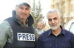 عکس/ خبرنگار المنار در کنار سردار سلیمانی
