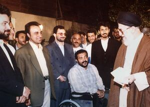 جمعی از بازیگران در کنار رهبر انقلاب +عکس