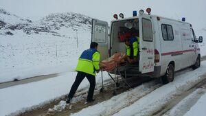 تلاش سه ساعته برای نجات مادر باردار در برف