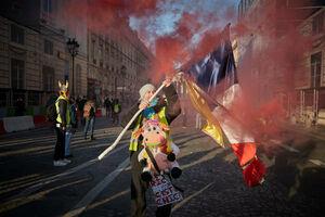 عکس/ شورش اتحادیههای کاری در فرانسه