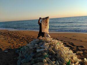 عکس/ اقدام قابل تحسین در سواحل عسلویه